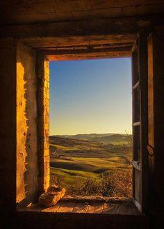 Beautiful window view of Toscana Beautiful World, Beautiful Places, Beautiful Flowers, Under The Tuscan Sun, Window View, Window Art, Open Window, Through The Window, Tuscany Italy