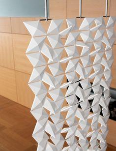Le cabinet de design hollandais Blooming a conçu Lightfacet, une cloison amovible qui permet de moduler la luminosité… Le principe est simple, il est c