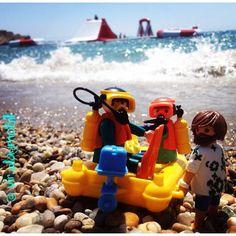 To conquer the bouncy castle! ⚓️#playmobilfigures #playmobillovers #playmobilporelmundo #playmo #playmobilespaña #famobil #clicks #iloveplaymo #playmo #playmobilfans #playmobilmania #toycreativity #playmobilcollectorclub #geobra #playmyplanet #iloveplaymo #iloveplaymo #playmobil #playmobils #playmobile #toystagram #toyartistry #toyfusion #sea #sun #summer