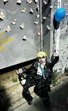 """Shoreditch street art """"drunken"""" ;-) April 2015"""