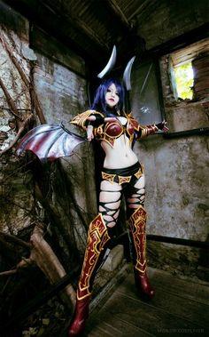 Queen of Pain Dota 2 Cosplayer :Misa
