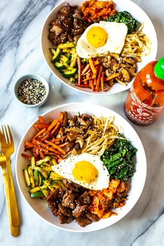 This 30 Minute Korean Bibimbap Recipe is a mix of sesame fried vegetables, minced beef & kimchi, served with rice & a fried egg for a delicious stir fry! Vegetarian Recipes, Cooking Recipes, Healthy Recipes, Stir Fry Recipes, Easy Recipes, Korean Bibimbap, Bibimbap Bowl, Kimchi Recipe, Gastronomia