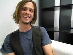 Matthew Gray Gubler - interview.. it's old, but he's so irresistible! (I'm socially awkward too, so it's all good!)