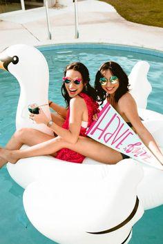 Bachelorette pool party, Alexandria Monette Photography, http://mytrueblu.com/2016/06/17/bachella-party-boho-bachelorette/