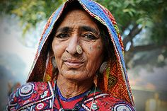Meghwal Woman (Leonid Plotkin) Tags: woman india asia traditional tribal tradition tribe ethnic gujarat kutch dholavira harijan meghwal katchchh