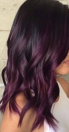 Hairstyles Süße dunkellila Haarfarbe Ideen Why Men Should Get Hair Color Too Article Body: We all kn Dark Purple Hair Color, Hair Color And Cut, Brown Hair With Purple Highlights, Purple Brown Hair, Ombre Purple Hair, Burgundy Plum Hair, Dark Violet Hair, Violet Highlights, Plum Black Hair
