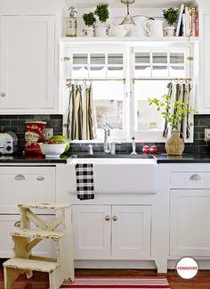 Apron Front Sink With Backsplash : 1000+ images about Apron front sink on Pinterest Apron front sink ...