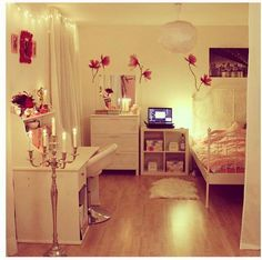 Love this style for a girly room