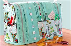 Sewing Machine Cover with Decorative Stitch & Button Embellishment Source by casual Sewing Hacks, Sewing Tutorials, Sewing Crafts, Sewing Tips, Quilt Patterns, Sewing Patterns, Sewing Machine Accessories, Fabric Pen, Sewing Studio