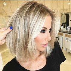 Edgy Blonde Hair, Edgy Short Hair, Dark Blonde Hair Color, Blonde Hair Looks, Long Blonde Bobs, Medium Blonde Bob, Bob Hair Color, Ombre Hair, Balayage Hair