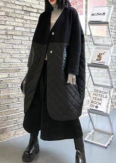 "thick black overcoat clothing down jacket v neck patchwork winter coats Materials used:cotton blendedMeasurement:Size L/BUST-156cm length 103cm / 40.17""Sleeve length 72cm / 28.08""Cuff 25cm / 9.75""bust 156cm / 60.84""Waist 152cm / 59.28""hem 128cm / 49.92""Size XL/BUST-160cm length 104cm / 40.56""Sleeve length 73cm / 28.47""Cuff 26cm / 10.14""bust 160cm / 62.4""Waist 156cm / 60.84""hem 132cm / 51.48""Size XXL/BUST-164cm length 105cm / 40.95""Sleeve length 74cm / 28.86""Cuff 27cm / 10.53""bust 164cm / 63.96"" Oversized Puffer Coat, Black Overcoat, Winter Jackets, Winter Coats, Mantel, Two By Two, V Neck, Sleeves, Cotton"