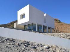 Architect studio José Francisco García-Sánchez designed the 'Gallarda House'