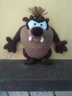 Taz amigurumi all'uncinetto.