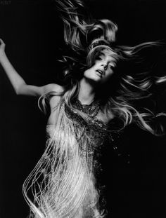 Lily Donaldsin ph Nick Knight for British Vogue, March 2009