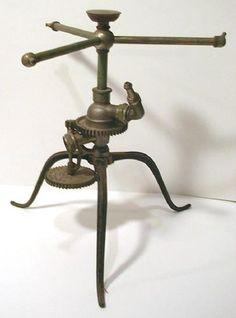 For watering the gardens of steampunks. Garden Water Sprinkler, Garden Sprinklers, Lawn And Garden, Garden Art, Garden Tools, Old Tools, Antique Tools, Classic Garden, Yard Sale