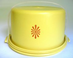 Vintage 1970's Tupperware Cake Saver... Mom always made MINT CHOCOLATE ICING CAKES!!! mmmmmmm