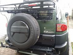 Backbone Base Mounting System by Rhino-Rack®. This backbone system beefs up the frame of your vehicle, allowing you to install a roof rack and carry gear on your factory hardtop. Car Cooler, Toyota Fj Cruiser, Roof Rack, Offroad, Trail, Jeep Stuff, Vehicles, Ebay, Future