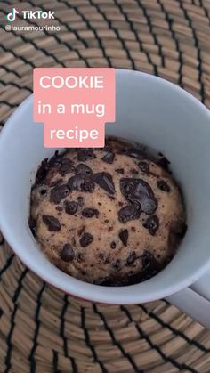 cookie mug recipe Mug Cookie Recipes, Cookie In A Mug, Fun Baking Recipes, Mug Cookie Dough, Healthy Mug Recipes, Easy Desserts, Delicious Desserts, Dessert Recipes, Yummy Food