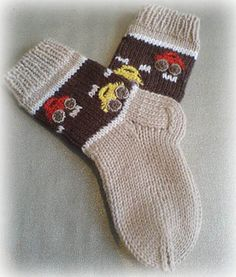 Socks With Cars Pattern by Iya Kryukova (Ravelry), free Knitted Socks Free Pattern, Crochet Socks, Knitting Socks, Knit Crochet, Knitting For Kids, Baby Knitting, Knitting Videos, Knitting Projects, Boys Socks