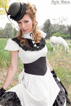 lovely simply start for a steampunk outfit Steampunk Dress, Steampunk Cosplay, Steampunk Wedding, Victorian Steampunk, Steampunk Clothing, Steampunk Fashion, Steam Girl, Steam Punk, Gothic Lolita