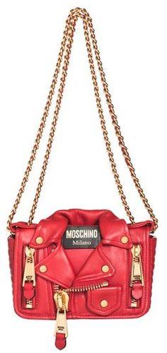 €1,538, Sac bandoulière en cuir rouge Moschino. De Nordstrom. Cliquez ici pour plus d'informations: https://lookastic.com/women/shop_items/111473/redirect
