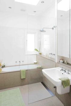 Incredible bathroom before & after renovation: from sauna to classic chic Bathroom Doors, Bathroom Flooring, Small Bathroom, Modern Bathrooms, Bathroom Before After, Before After Home, Stone Benchtop, Bath Surround, Linen Cupboard