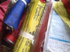 http://www.facebook.com/pages/Campa%C3%B1a-banderas-de-oraci%C3%B3n-tibetanas/495354623857551