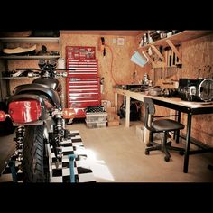 Four Important Design Considerations When Planning a Home Bar - Man Cave Home Bar Man Cave Garage, Garage House, Garage Shop, Diy Garage, Dream Garage, Motorcycle Workshop, Motorcycle Garage, Motorbike Shed, Dirt Bike Room