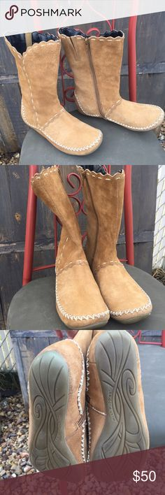"""Hush puppies Tan leather Suede moccasin boots 7.5 Women's Hush Puppies Tan Suede Leather Moccasins Zip Boots Sz 7.5 M  10"""" high  13"""" top opening Hush Puppies Shoes Moccasins"""