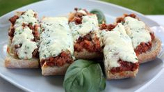 Lasagna Pizza Bread (Rachel Ray) - Use canned spaghetti sauce to make it easier, serve with salad