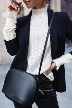 Tips and ideas for outfits with blazers - Stylée.fr – Modeideen, Mode und Outfit ideen Tips and ideas for outfits with Blazer Stylée. Sport Fashion, Look Fashion, Winter Fashion, Womens Fashion, Preppy Fashion, Fashion Black, Mode Outfits, Winter Outfits, Fashion Outfits