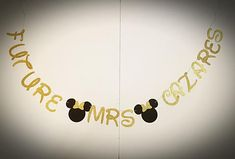 Disney bridal shower backdrop ideas for 2019 Bridal Shower Wine, Bridal Shower Backdrop, Bridal Shower Invitations, Bridal Bouquet Coral, Kate Spade Bridal, Disney Bridal Showers, Shower Ideas, Minnie Mouse, Banner