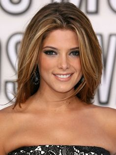 The summer highlights without being blonde! Summer Highlights, Brunette Highlights, Subtle Highlights, Highlights Around Face, Caramel Highlights, Caramel Color, Summer Hairstyles, Pretty Hairstyles, Hair Color And Cut