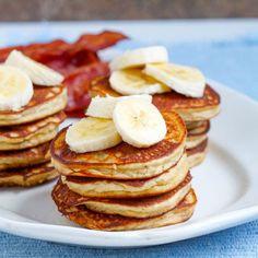 Fluffy Paleo Banana Pancakes Recipe With Almond Flour - This healthy paleo banana pancakes recipe makes delicious and FLUFFY banana pancakes every time! Almond flour banana pancakes are the perfect healthy breakfast. Comidas Paleo, Dieta Paleo, Paleo Diet, Paleo Pancakes, Banana Pancakes, Coconut Pancakes, Ricotta Pancakes, Paleo Recipes, Whole Food Recipes