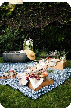 vintage picnic. LOVE.
