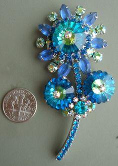 Vintage Juliana Flower Pin Brooch D&E