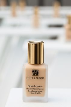 Double Wear foundation by @Estee Lauder. No need to use a primer beforehand because this will look great all day!