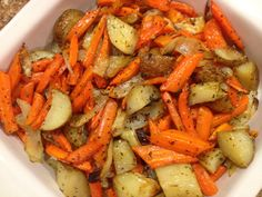The Farmer's Wife: Roasted Potatoes Carrots & Onions, Toss in olive oil and season, 475 for 45 minutes. We added asparagus and sausage the last 10 minutes and it was delicious. Carrot Recipes, Vegetable Recipes, Vegetarian Recipes, Cooking Recipes, Healthy Recipes, Veggie Food, Cooking Tips, Salad Recipes, Vegetarian Barbecue