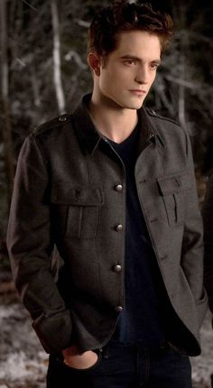 Robert Pattinson as Edward Cullen in Breaking Dawn Part 2