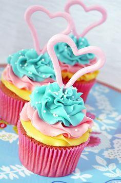 Cupcakes a diario: Cupcakes tricolor... De limón con crema de mantequilla de coco