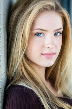 Saxon Sharbino - a strong Princess Katarina vibe about her in this photo.