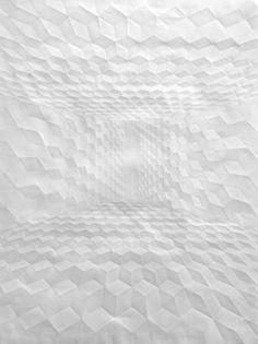 SIMON SCHUBERT, O.T.FIGUR IN EBENEN: folded paper art.