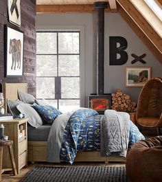 Hi, winter. Bye, cold. Ignore chilly temperatures and embrace cozy design with a personalized space that speaks to your signature style. Create a homey winter retreat with comfy bedding, cuddly accessories and cool wall art. PBteen has every cold weather must-have to warm up your space this season.