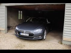 Tesla Model S 85 performance plus | Fully Charged: My first experience driving the hair raising, breathtaking, game changing car from Tesla Motors. During high speed cornering some profanities were expressed but I've beeped them. I apologise in advance.