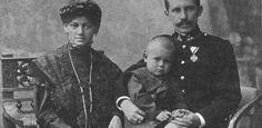 Johannes Paul II., Karol Wojtyla als kleines Kind mit seinen Eltern.