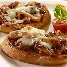 If you like French Onion soup you'll love this easy-to-make French Onion Bruschetta!
