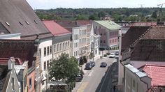 Braunau am Inn - Bergauf Bericht Mansions, House Styles, Home Decor, News, Luxury Houses, Interior Design, Home Interior Design, Palaces, Mansion