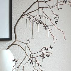 Lametta mal anders? Mach Deinen Baumschmuck ganz einfach selbst - mit Trinkhalm, Beton & Farbe!