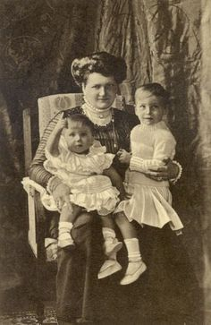 Grand Duchess Eleanore of Hesse and by Rhine, with her sons George Donatus and Louis