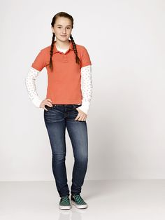 Kaitlyn Dever, Last Man Standing, Fashion Catalogue, Normcore, Female, Celebrities, Pretty, Celebs, Celebrity